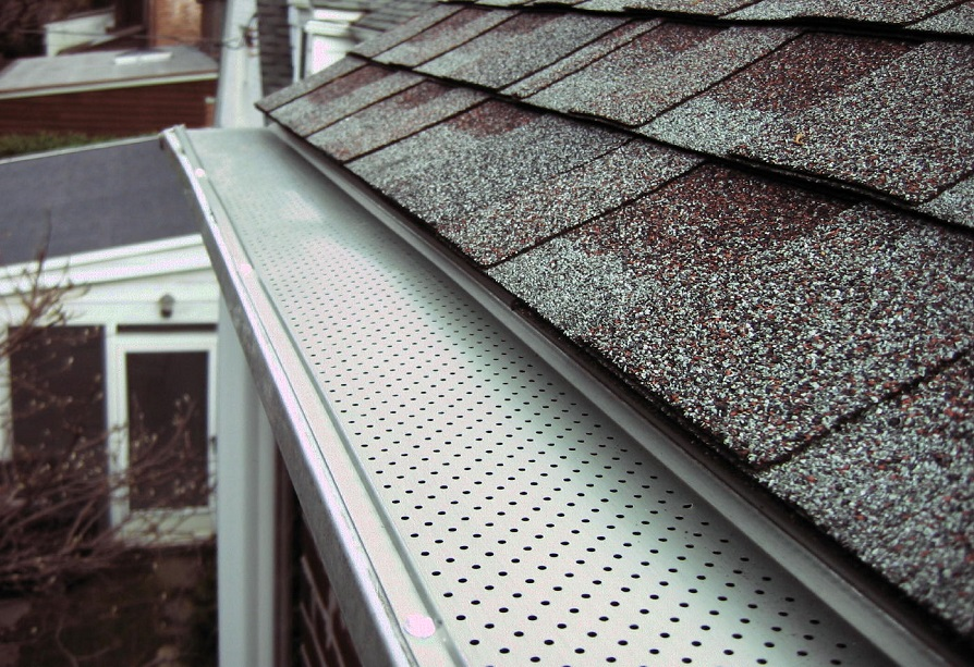 Why you need to clean covered gutters with gutter guard?